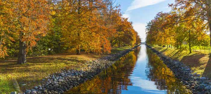 Fall is a wonderful time to enjoy shopping, dining, and the wonderful sights in New Hope, Bucks County PA